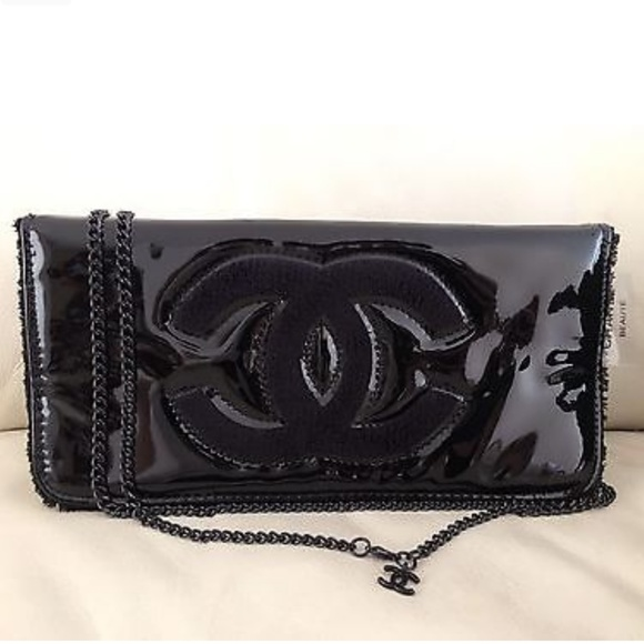130bcd312d66 CHANEL VIP GIFT COSMETIC MAKE UP CROSSBODY BAG